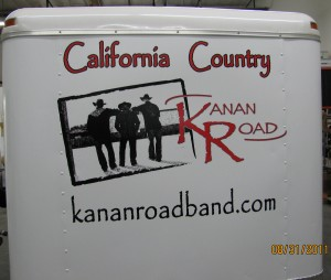 KananRoadBand-Front-of-Trailor (1)