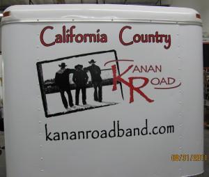 KananRoadBand-Front-of-Trailor (1)